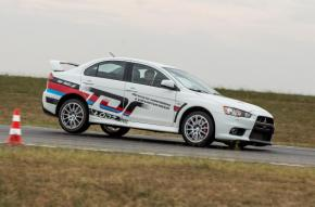 Co-Drive Mitsubishi Lancer Evolution X  Attack 400, 4 okrążenia